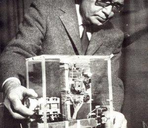 Constantin Raudive Il est après Jürgenson le plus méritant dans la recherche des enregistrements de voix.