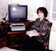 Monique Simonet devint la pionnière des techniques de communication avec les défunts en France.